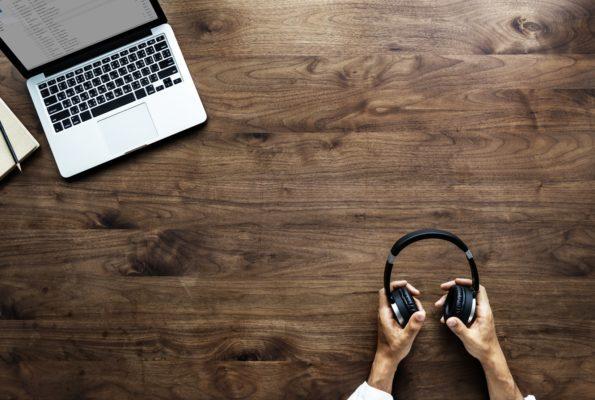 音読の効果を最大限にするステップ2:リスニング
